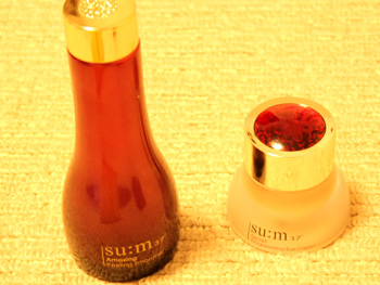 韓国の自然発酵化粧品スム37° su:m37°