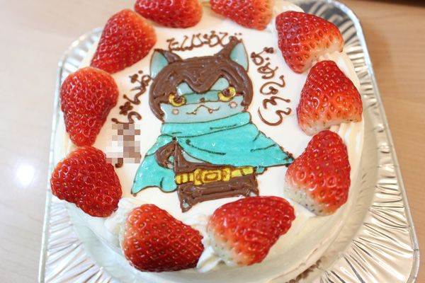 キャラクターケーキで誕生日祝い!