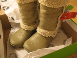 crocs nadia クロックスのブーツ ナディア販売店情報!